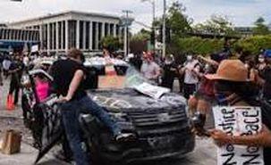 پلیس آمریکا با گاز فلفل به یک دختربچه حمله کرد + فیلم