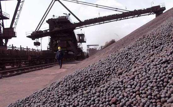 عرضه 80 هزار تن گندله سنگ آهن و ۱۰ هزار تن فولاد در بورس کالا