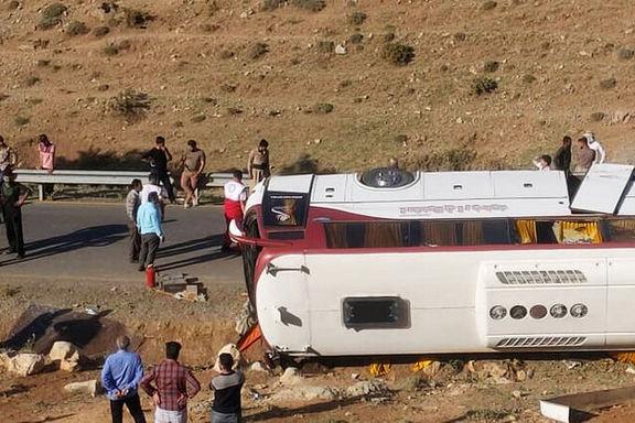 راننده مقصر واژگونی اتوبوس خبرنگاران است/ برخورد سخت با راننده متخلف!