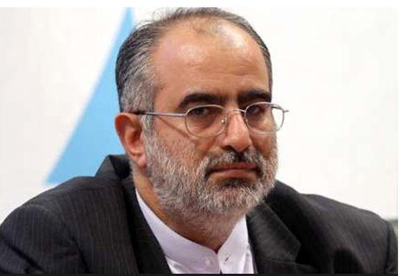 حسامالدین آشنا  به توییت اخیر رئیسجمهور آمریکا واکنش نشان داد