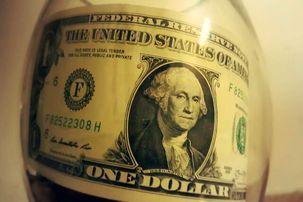 ارزش دلار در برابر ارزهای دیگر جهانی کاهش یافت/بهبود شاخص های اقتصادی در جهان با بازگشایی تدریجی مرزها و کاهش قرنطینه