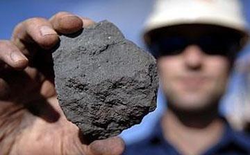 نگاهی به قیمت فولاد و سنگ آهن