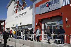 شش و نیم میلیون نفر در آمریکا اعلام بیکاری کردند