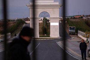 مشاهدات خبرنگار نیویورک تایمز از اردوگاه منافقین در آلبانی