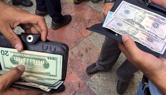 کنترل بازار ارز و نرخ تورم با دستور اقتصادی یا اقتصاد دستوری امکانپذیر است؟