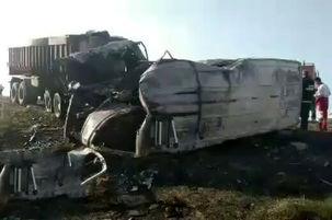 شمار کشته شدگان تصادف مینیبوس استان گلستان به ۱۵ نفر رسید