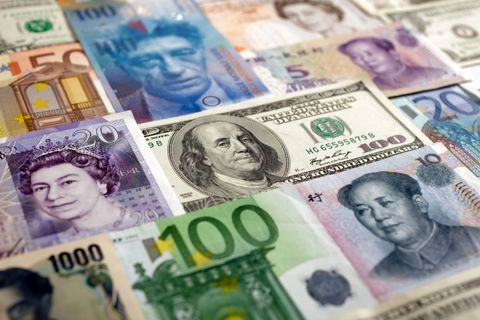 کاهش نرخ رسمی یورو در مقابل افزایش پوند/ دلار بدون تغییر!