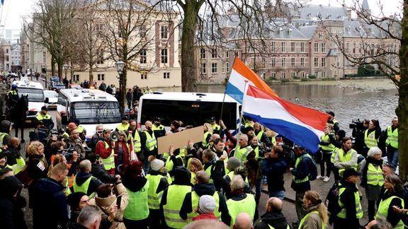 جلیقه زردها در هلند هم به خیابان ریختند