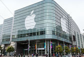 اپل یک آیفون با محفظهای شیشهای تولید میکند