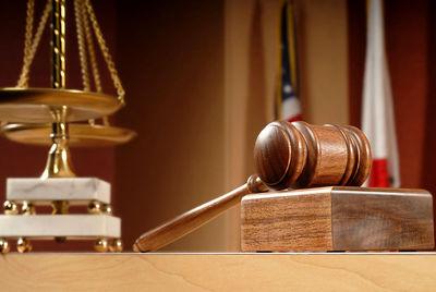 وکلا مالیات میپردازند